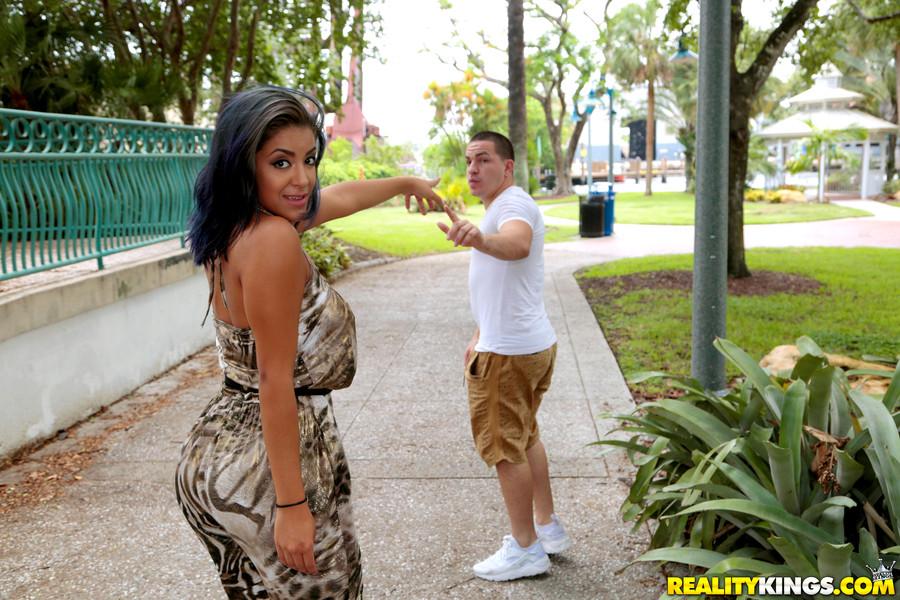 8 Street Latina